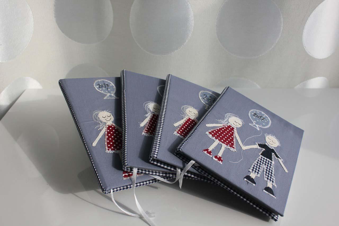 Creare il quaderno dei ricordi dei gemelli