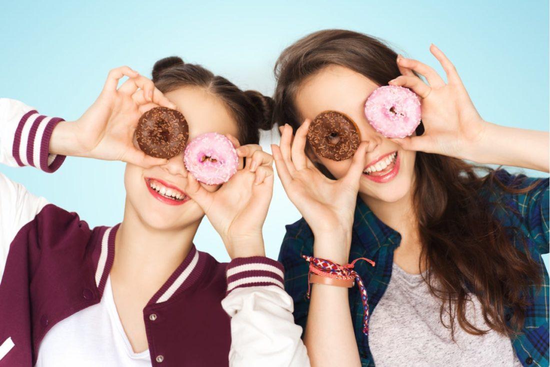 Adolescenza e cibo, un libro guida i genitori nella scelta