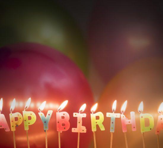 Auguri di compleanno ai gemelli per i tredici anni