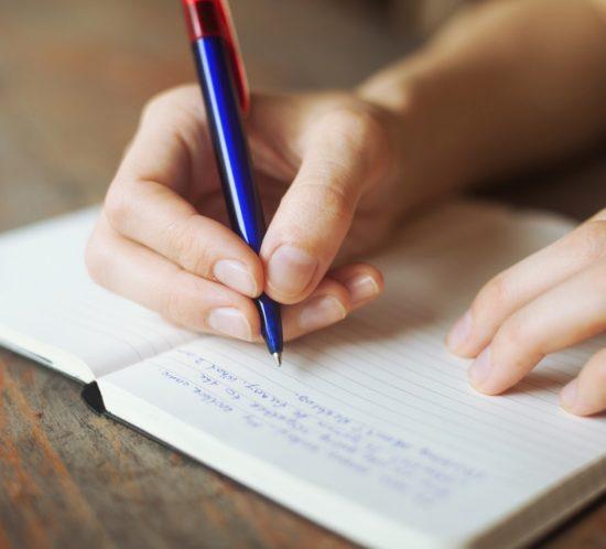 Scrivere un diario personale. I benefici di raccontare i pensieri.